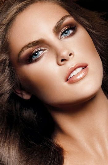 Did you know that you are supposed to change your makeup according to the seasons?! The lighting and your skin tone is different in the spring/summer than ...